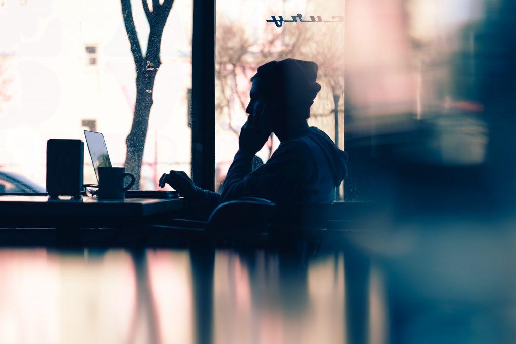 Prywatne telefony w czasie pracy